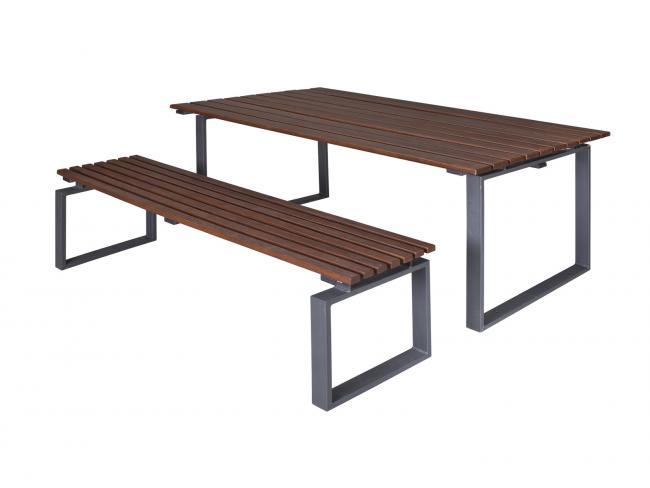 kiültéri asztal
